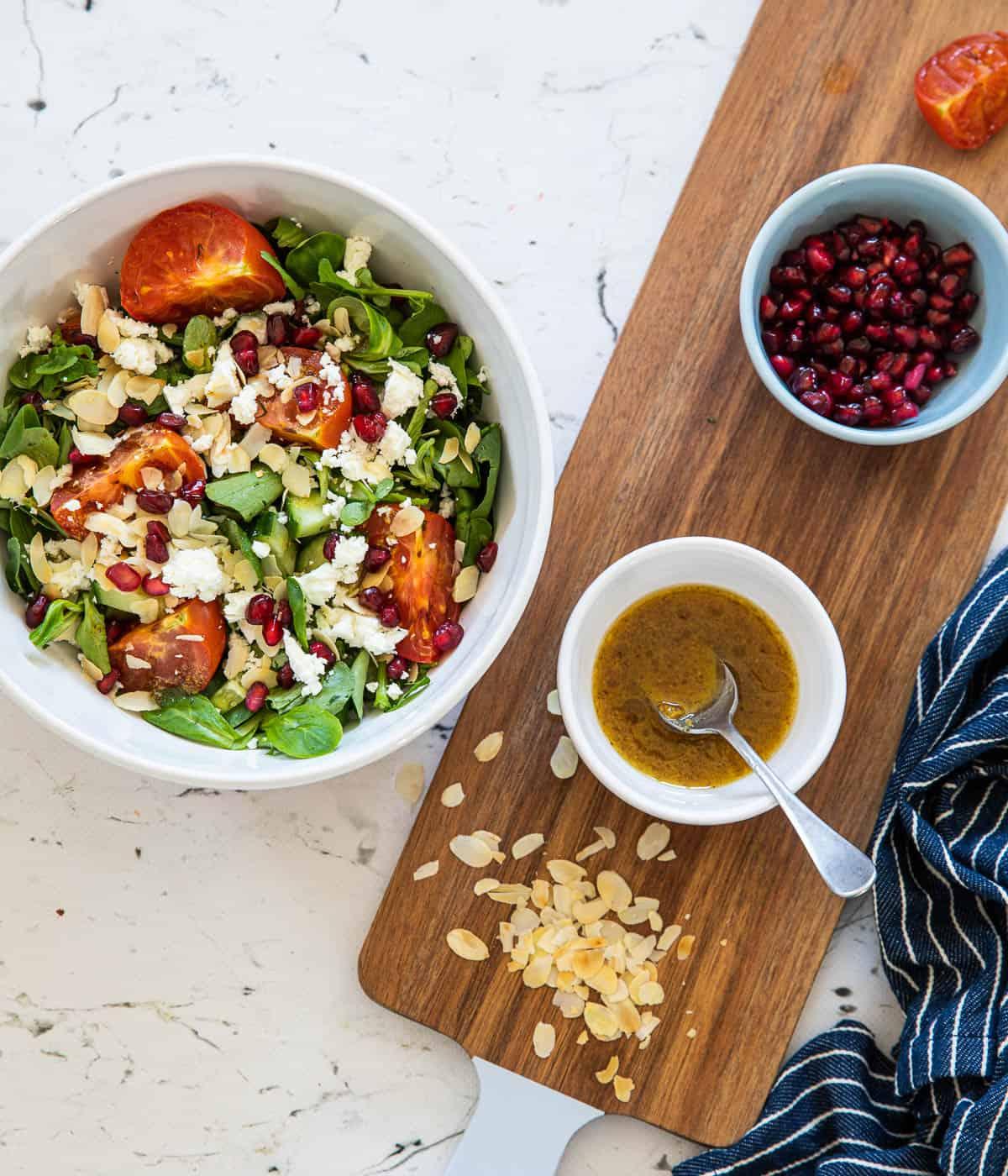 Salade met waterkers en geroosterde tomaten