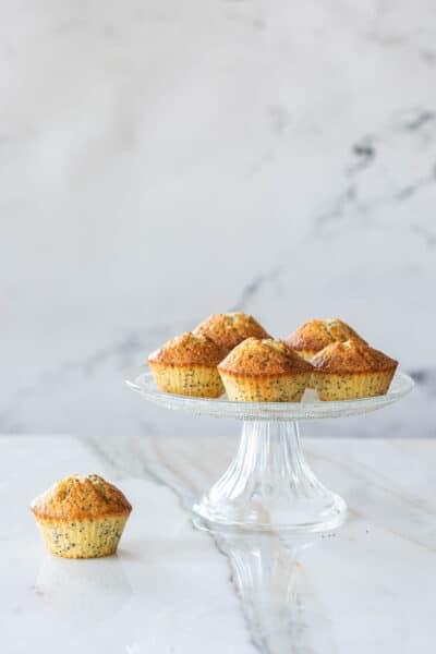 Cupcakes met citroen en maanzaad