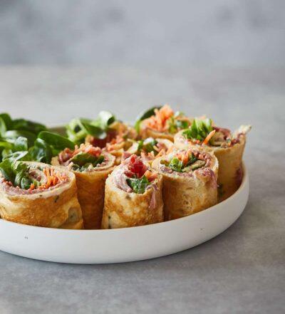 Omeletrolletjes met rosbief