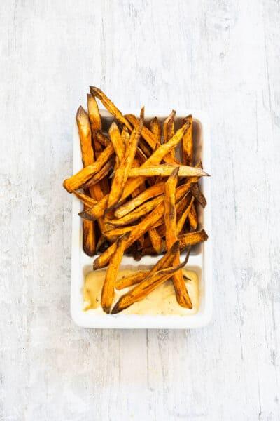 Zoete aardappelfrietjes uit de airfryer