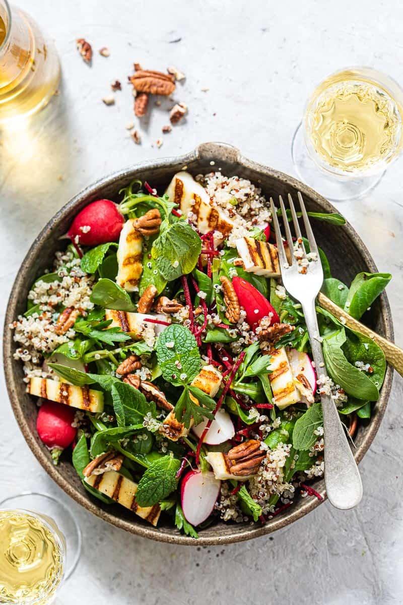 Quinoa salade met halloumi