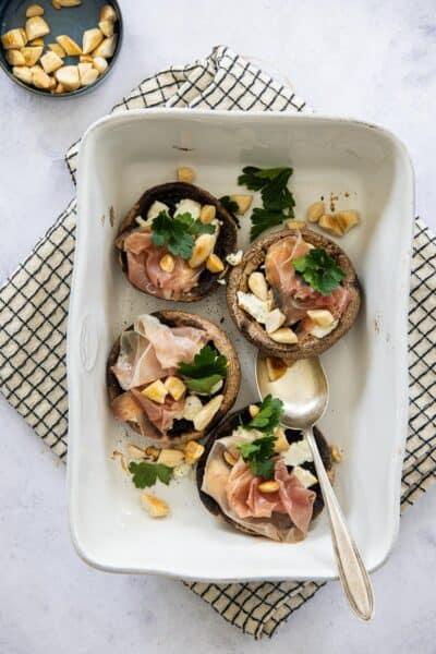 Portobello's uit de oven met prosciutto en geitenkaas